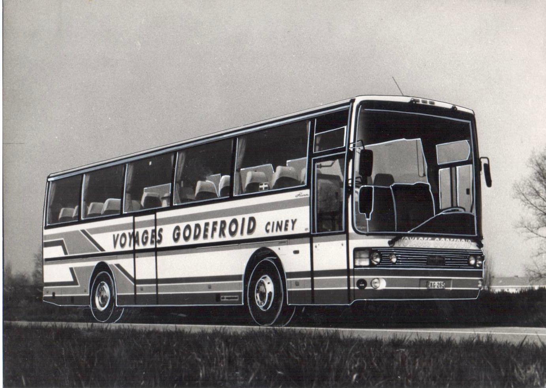 Premier autocar